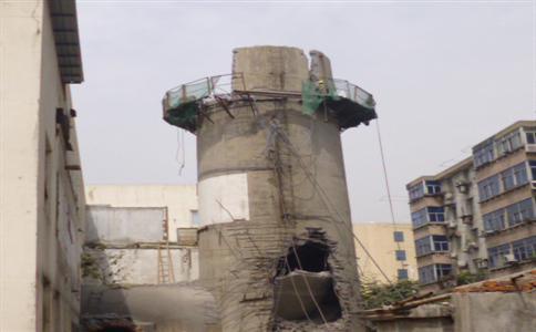 水塔拆除工程队