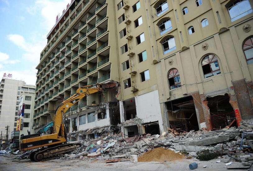 餐饮酒店地砖拆除