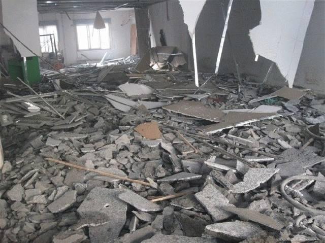 展厅吊顶拆除