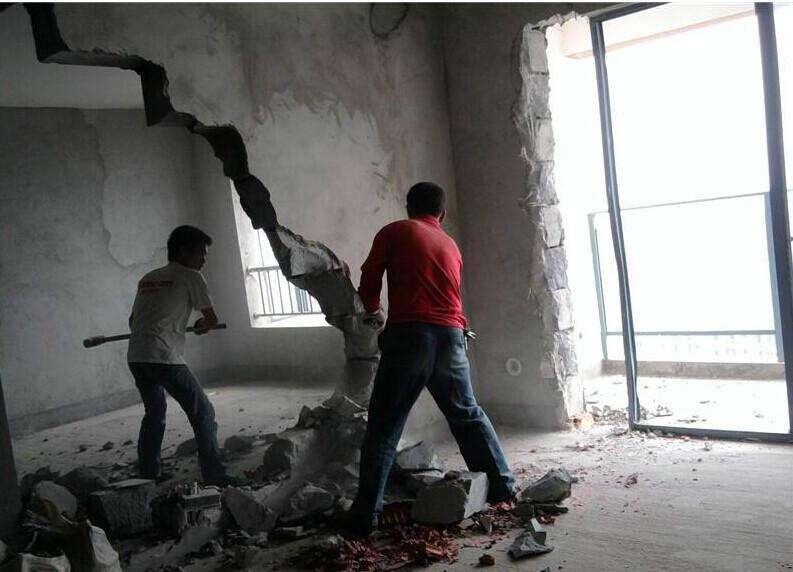 常熟酒店敲墙砸墙拆除现场